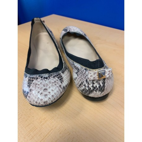 Kate Spade Taffy Back Stud Ballet Flats Beige Snake Shoes SZ 6.5M RARE