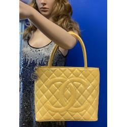 CHANEL Medallion ENAMEL PATENT LEATHER CC LOGO YELLOW Vintage Handbag